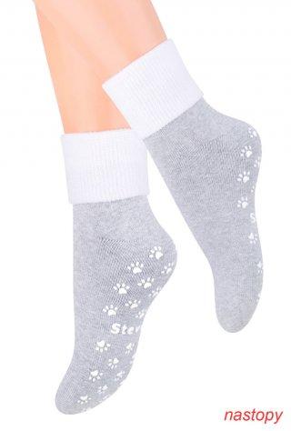 Skarpety Antypoślizgowe dziecięce z ABS dla najmłodszych - szaro-biały